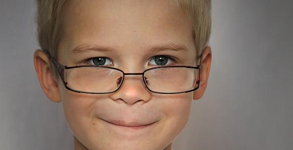 När kan mitt barn börja använda linser  4ee9100f656c5